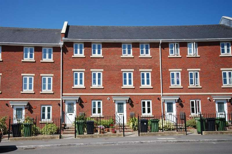 4 Bedrooms Terraced House for rent in Kings Heath, Exeter