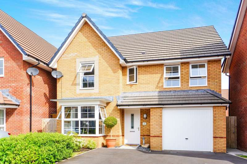 4 Bedrooms Detached House for sale in De Haia Road, Rogerstone, Newport, NP10