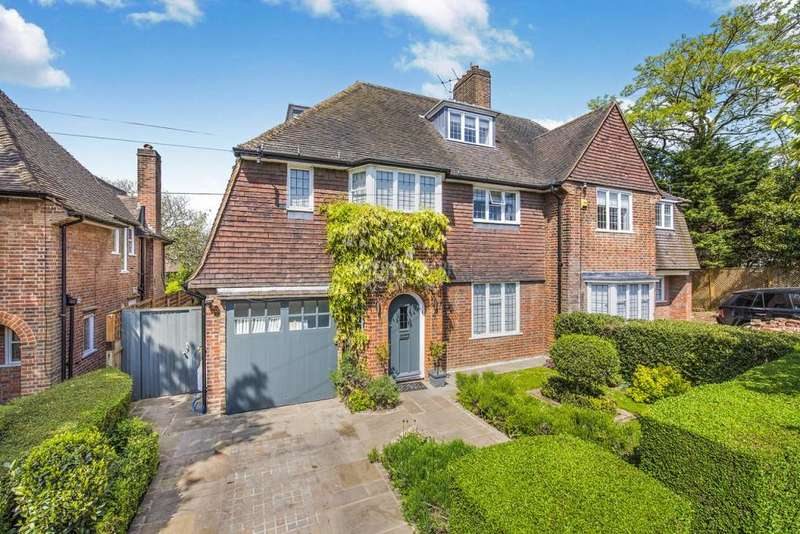 4 Bedrooms Semi Detached House for sale in Gurney Drive, Hampstead Garden Suburb