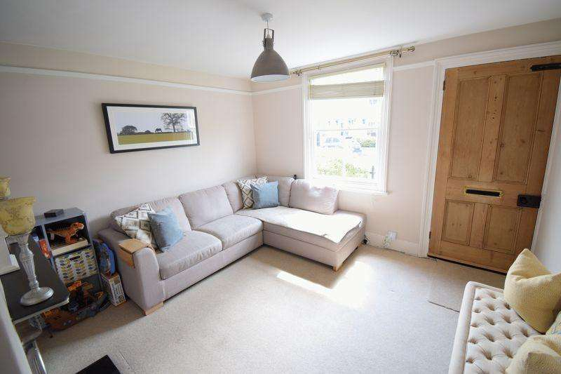 3 Bedrooms Semi Detached House for sale in Bury Road, Old Harlow
