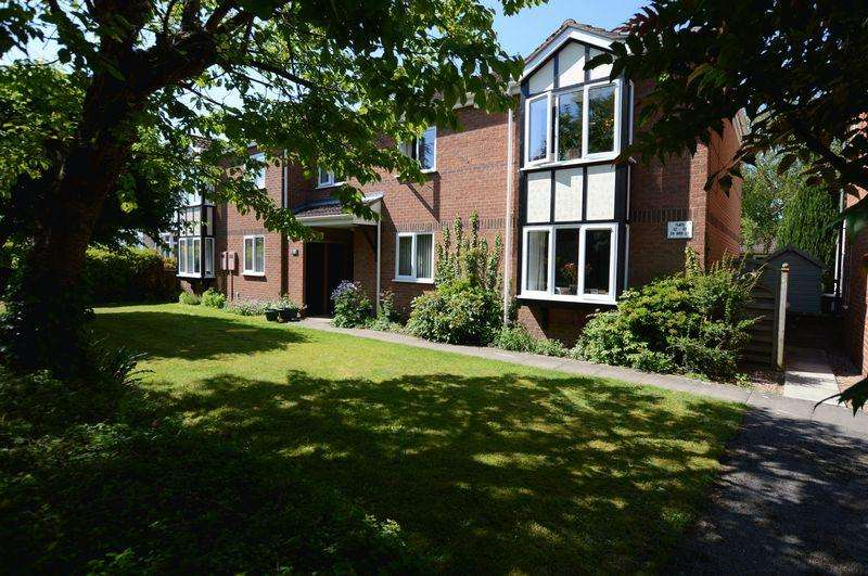 2 Bedrooms Apartment Flat for sale in 34 Oaklands, Woodhall Spa