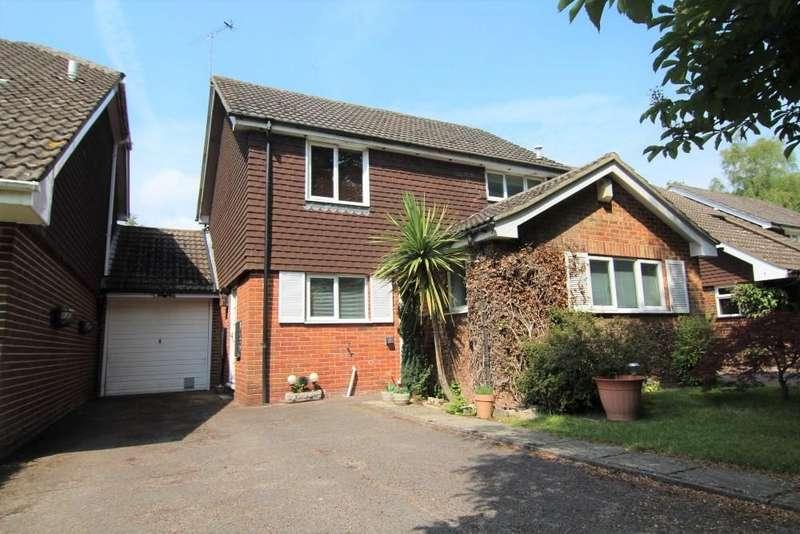 3 Bedrooms Detached House for sale in Wokingham, Berkshire