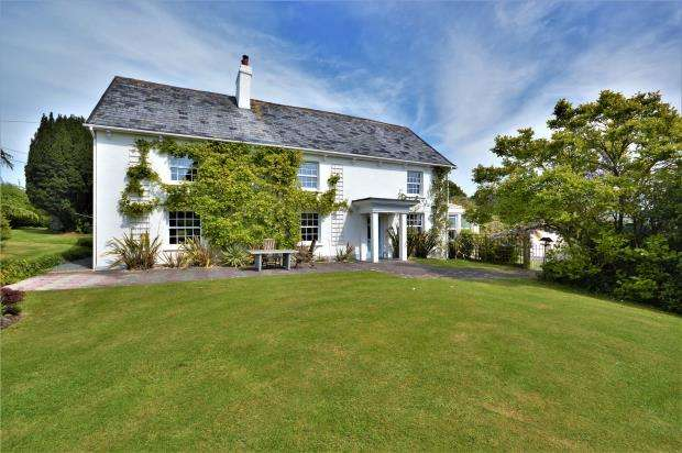 5 Bedrooms Detached House for sale in Slade Road, East Hill, Ottery St. Mary, Devon