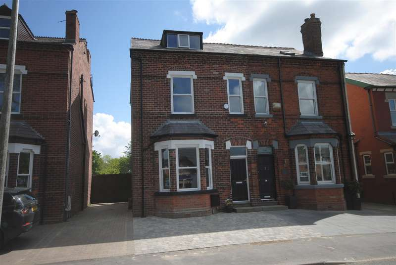4 Bedrooms Semi Detached House for sale in Hall Lane, Aspull, Wigan