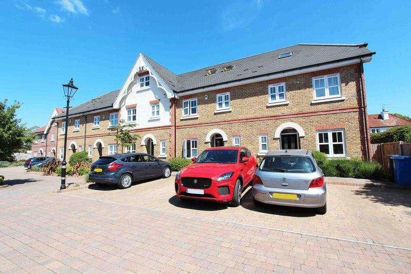 3 Bedrooms Terraced House for sale in Elizabeth Place, Eton Wick, Windsor