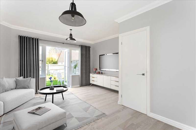 3 Bedrooms House for sale in Gilbert Way, Canterbury