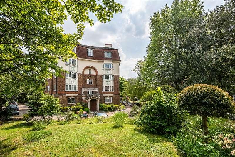 2 Bedrooms Flat for sale in Torrington Court, Crystal Palace Park Road, London, SE26
