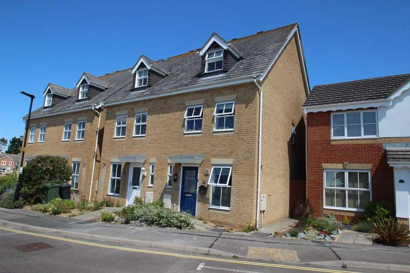 3 Bedrooms Semi Detached House for sale in Osborne Heights, East Cowes
