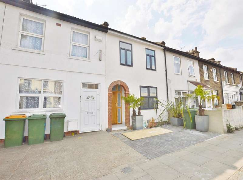 4 Bedrooms Terraced House for sale in Water Lane, Stratford, London, E15 4NL