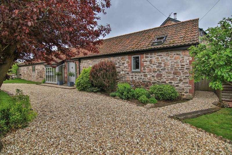 4 Bedrooms Barn Conversion Character Property for sale in Penrhos Farm, Llantilio Crossenny, Abergavenny