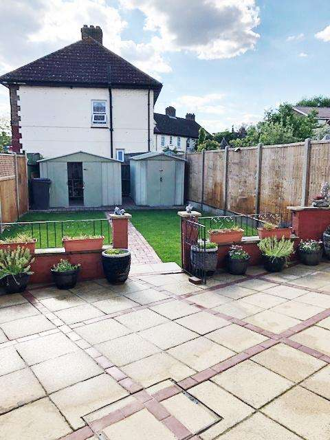 3 Bedrooms House for sale in Compton Crescent, London, N17
