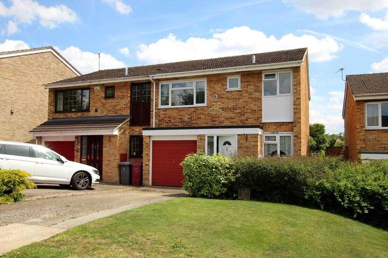 3 Bedrooms Semi Detached House for sale in Framlingham Drive, Caversham Park Village, Reading