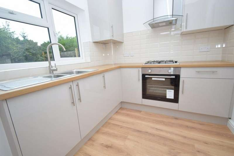 3 Bedrooms Semi Detached House for sale in Wanlip Avenue, Birstall, Leicester