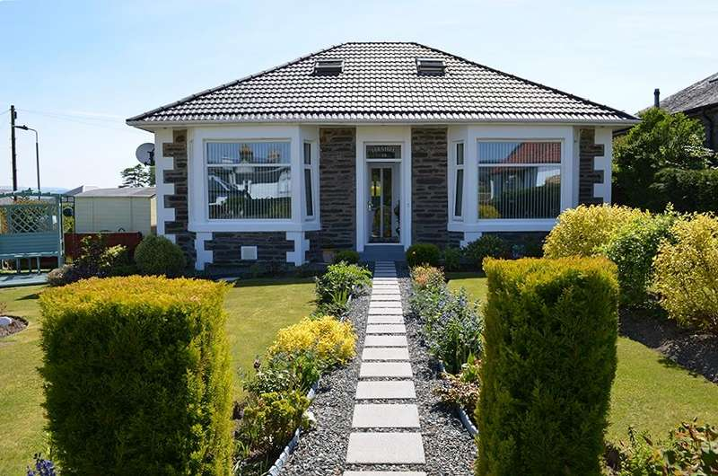 3 Bedrooms Bungalow for sale in Clyde Street, Kirn, Dunoon, PA23 8EQ