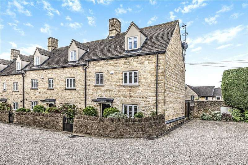 2 Bedrooms End Of Terrace House for sale in King Charles Place, Stow-On-The-Wold, Gloucestershire, GL54
