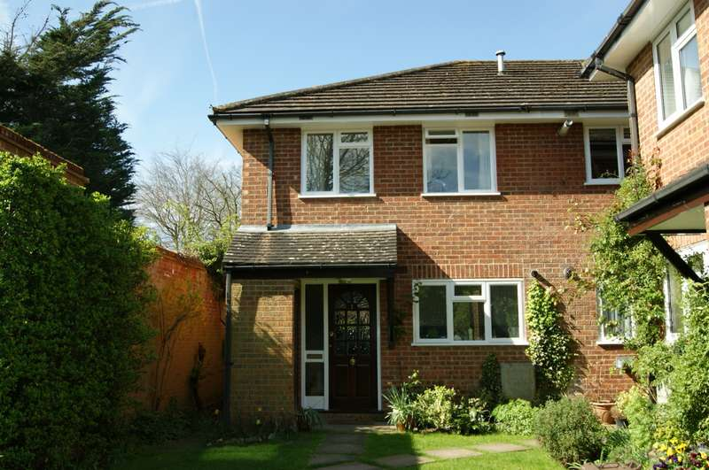 2 Bedrooms End Of Terrace House for rent in Braemar House, Orchehill Avenue, Gerrards Cross, SL9