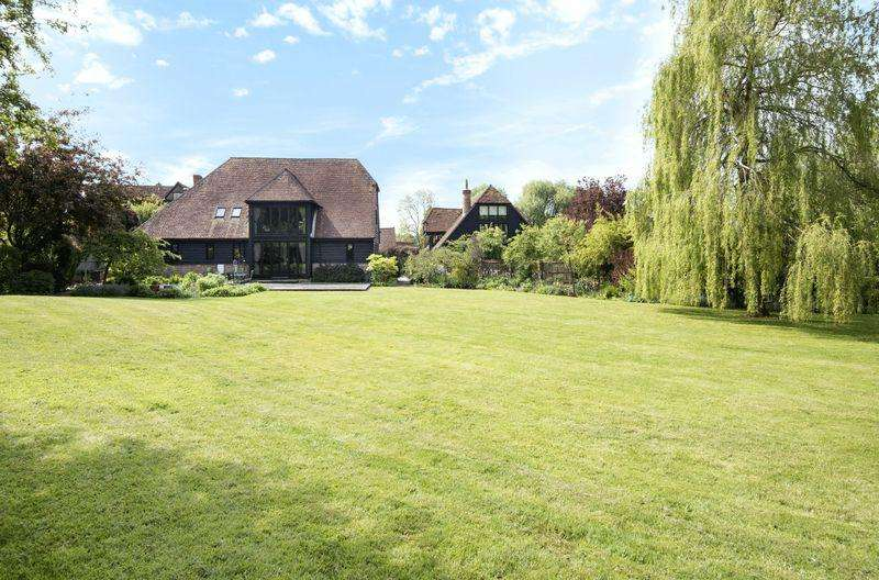 4 Bedrooms Detached House for sale in Cufaude Lane, Bramley
