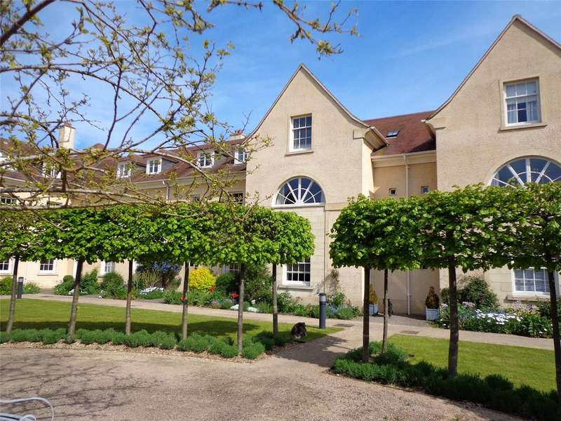 4 Bedrooms Terraced House for sale in The Stables, Lechlade, Gloucestershire, GL7