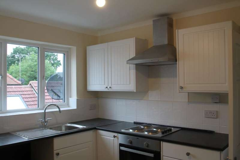 3 Bedrooms Apartment Flat for rent in Manor Road, Chigwell, IG7 5QA
