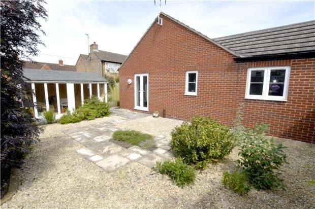 2 Bedrooms Semi Detached Bungalow for sale in Bradestones Way, Gloucestershire, GL10 3FD