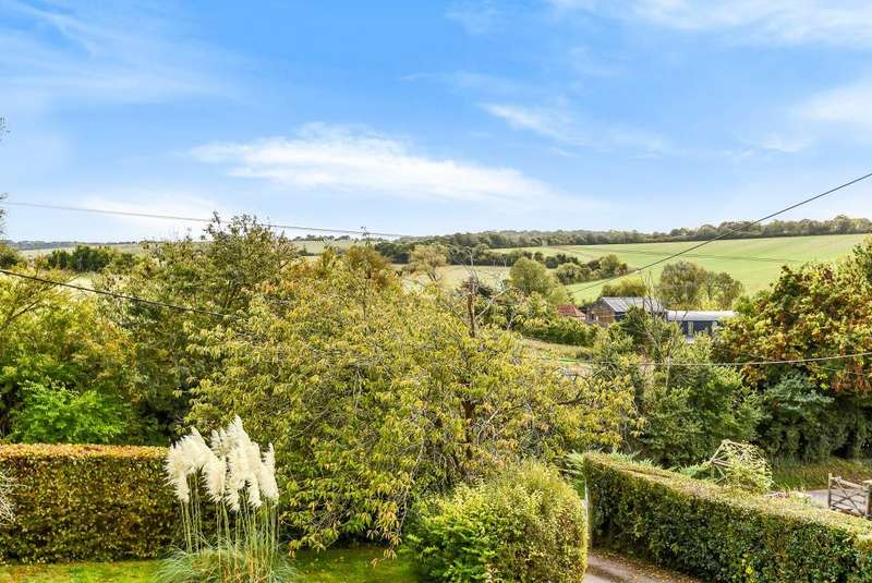 4 Bedrooms Detached House for sale in Lambourn, Hungerford, RG17