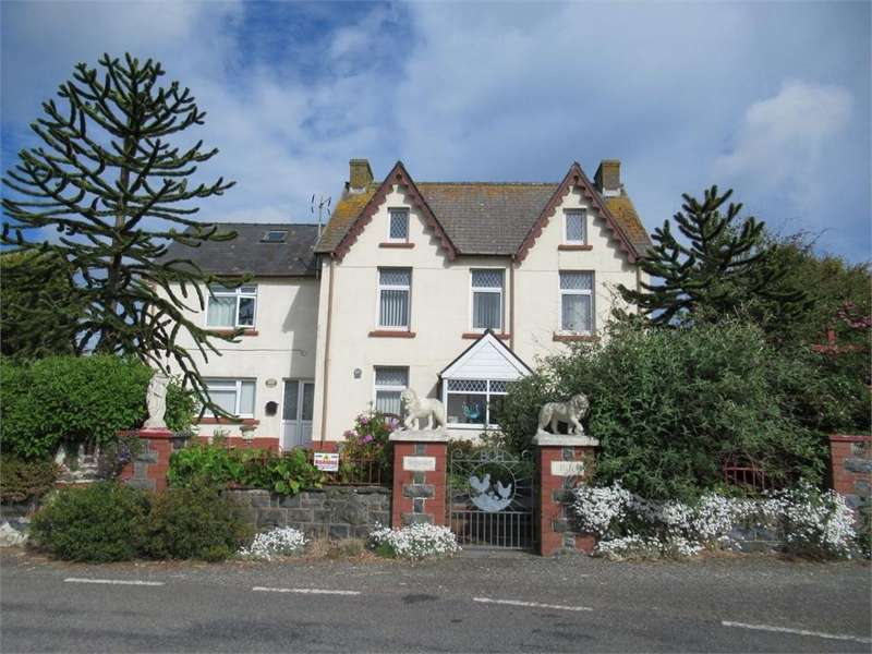 5 Bedrooms Detached House for sale in Brynawel, Stop and Call, Goodwick, Pembrokeshire