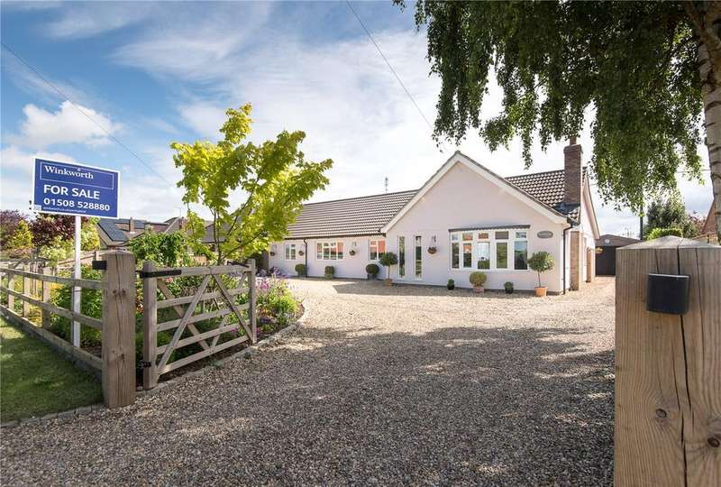 4 Bedrooms Detached Bungalow for sale in Chandler Road, Stoke Holy Cross, Norwich, Norfolk, NR14