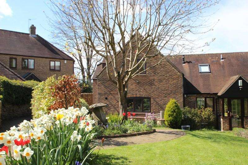 3 Bedrooms Semi Detached House for rent in Cordrey Green, Oxford