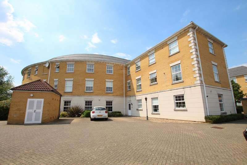 3 Bedrooms Apartment Flat for rent in Queen Elizabeth Court, Greenwich Way, Waltham Abbey, EN9