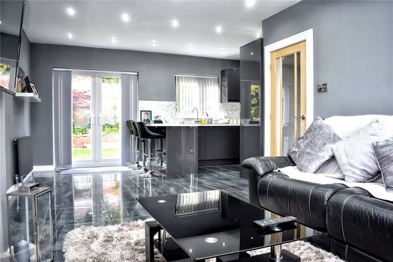 3 Bedrooms Detached House for sale in Hartley Street, Rochdale, Greater Manchester, OL12
