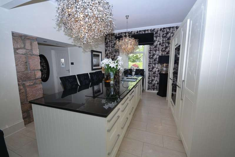 4 Bedrooms Detached Villa House for sale in Cessnock Road, Galston, KA4