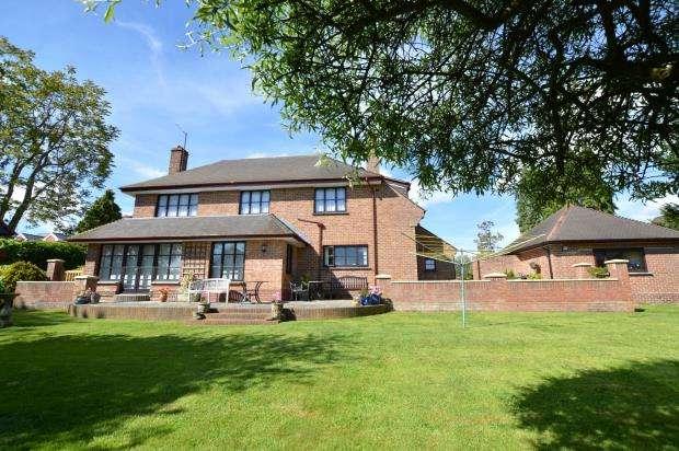 6 Bedrooms Detached House for sale in Broadway Road, Kingsteignton, Newton Abbot, Devon