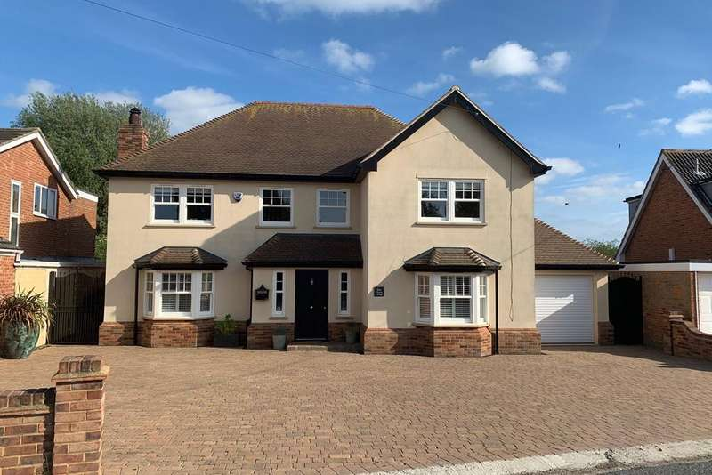 4 Bedrooms Detached House for sale in Church Road, West Hanningfield, Chelmsford, CM2
