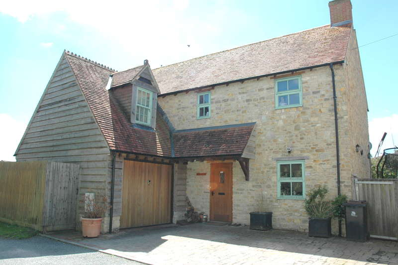 4 Bedrooms Detached House for sale in Holly House, Dolphin Lane, Peacemarsh, Dorset, SP8 4HQ