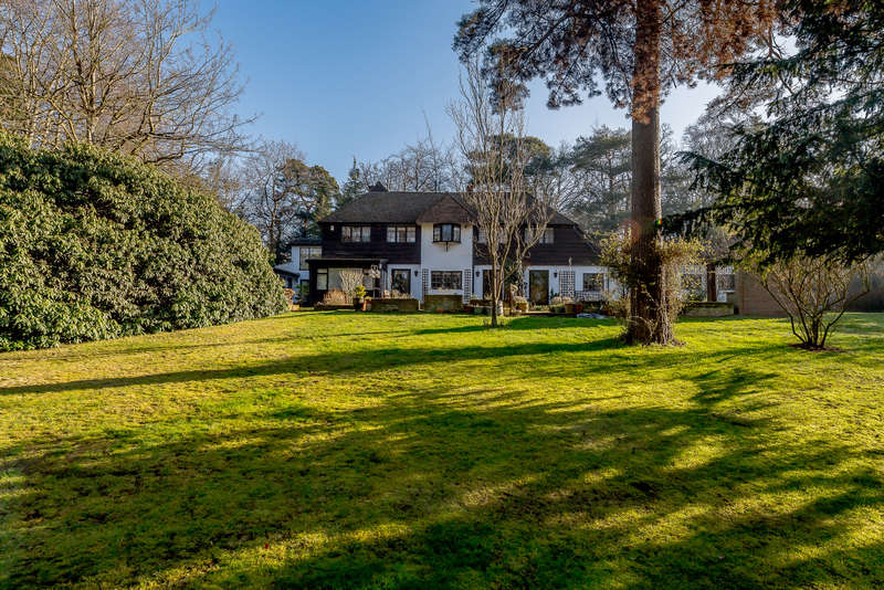 7 Bedrooms Detached House for sale in The Woods, Northwood