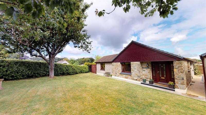 4 Bedrooms Detached Bungalow for sale in Perran Downs, Goldsithney, TR20 9HQ