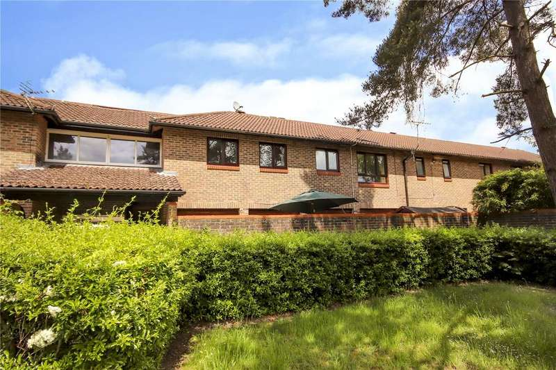 2 Bedrooms Maisonette Flat for sale in Lovedean Court, Forest Park, Bracknell, RG12