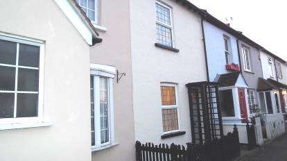 2 Bedrooms Terraced House for sale in Great Wakering, Southend-On-Sea, Essex