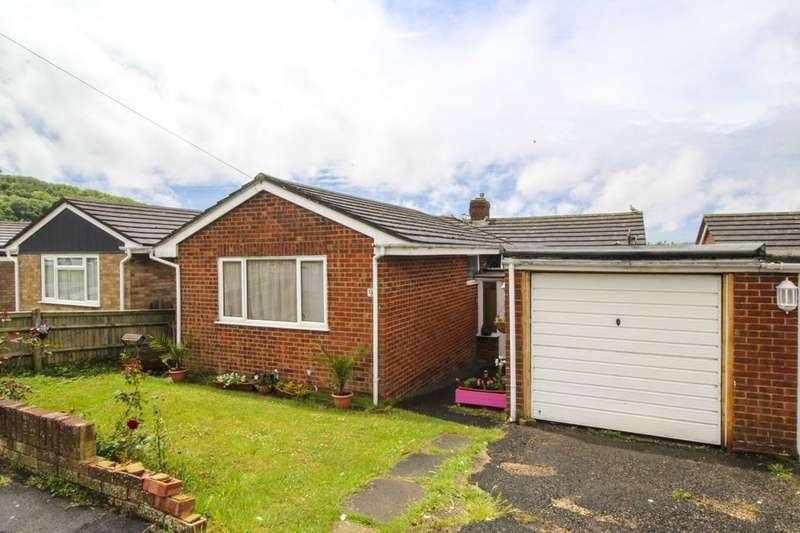 2 Bedrooms Detached Bungalow for sale in St. Leonards Road, Newhaven, BN9