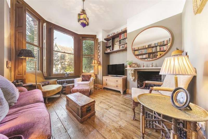 2 Bedrooms Flat for sale in Cromford Road, SW18