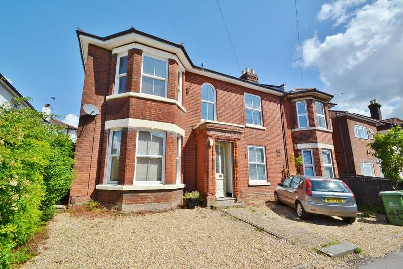6 Bedrooms Semi Detached House for sale in Southampton