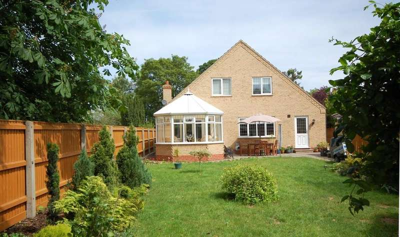 4 Bedrooms Detached House for sale in North Somercotes LN11 7QS