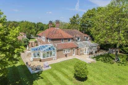 5 Bedrooms Detached House for sale in Quendon, Saffron Walden