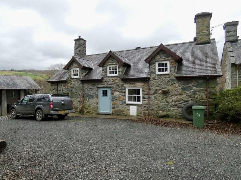 4 Bedrooms Cottage House for sale in Bala road, Dolgellau, Gwynedd, LL40