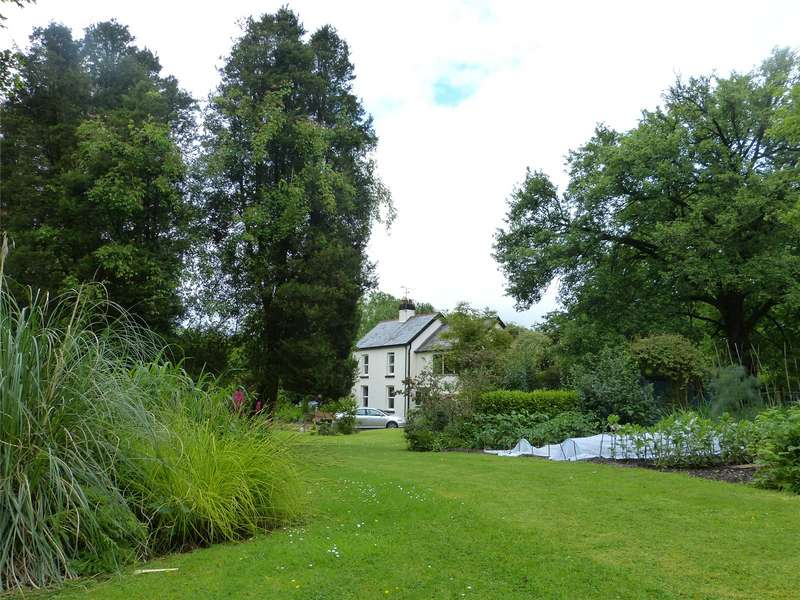 3 Bedrooms Detached House for sale in Rhyd Y Wennol, Login, Nr. Narberth, Carmarthenshire