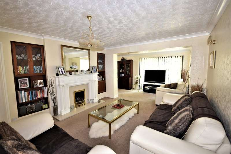 4 Bedrooms Detached House for sale in The Cloisters, Blackpool