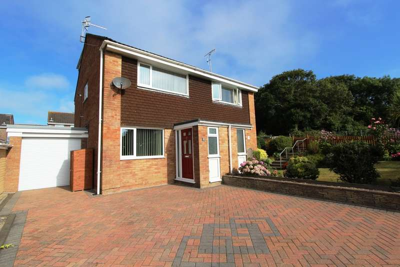 3 Bedrooms Semi Detached House for sale in Goad Close, Torpoint