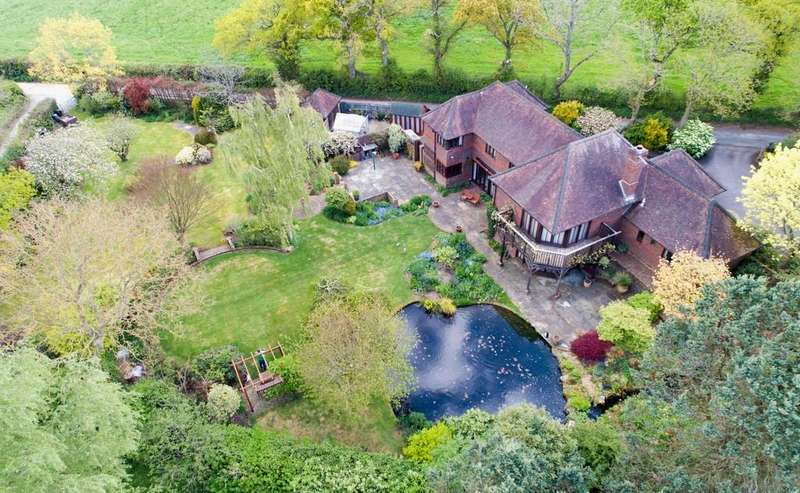 4 Bedrooms Detached House for sale in Bishops Waltham, Hampshire