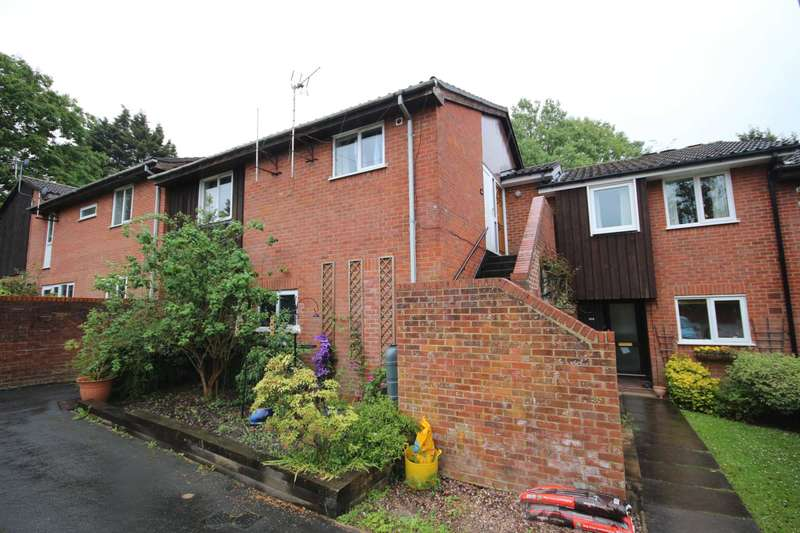 2 Bedrooms Maisonette Flat for rent in Greenham Wood, North Lake