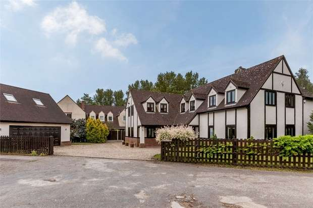 5 Bedrooms Detached House for sale in Nursery Drive, Braintree, Essex